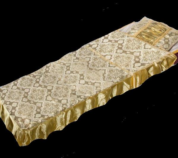 Шелковое золотое покрывало